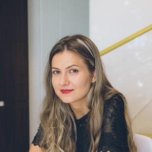 Ştefania – Manager Departament de vopsitorie